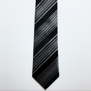 👔ALFANI Mens 100% Silk Necktie Black Striped NWOT
